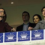 Tom Cruise and Katie Holmes gets a taste of the Aussie at the MCG