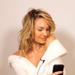 Here's How To Take A Perfect Selfie According To The Worlds BEST Supermodels… You HAVE TO See This.