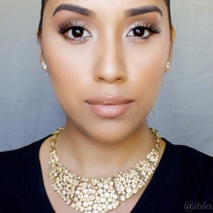 Beauty Guru Of The Month For November 2014: Leslie Alvarado