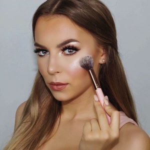 Beauty Gurus Of The Month – August 2016 Edition