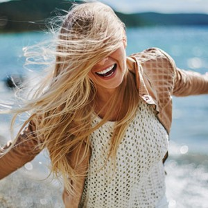 Get Happy: 5 Habits That'll Help You Look On The Brighter Side of Things