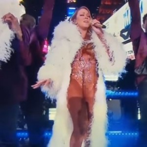 Mariah Carey Just Got Busted Awkwardly Lip-Syncing At Dick Clark's New Year Rockin' Eve 2017