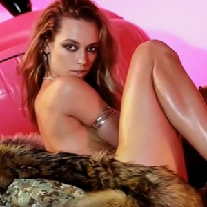 Hannah Ferguson Looking Sexy On Top Of A Mink Fur Is Guaranteed To Leave You In A Pool Of Drool