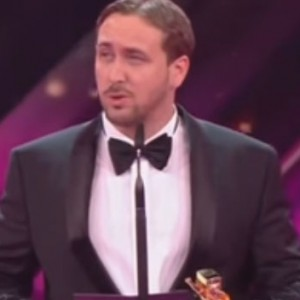 "Watch Fake Ryan Gosling Crash A German Live Show And Accepts An Award For ""La La Land"""