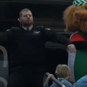 This Twerking Security Guard Decided To Have A Dance-Off With A Mascot. The Result Was Perfection