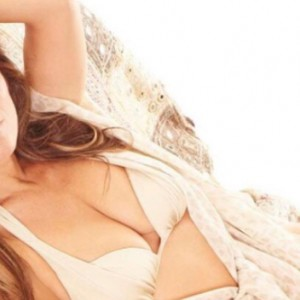 Elizabeth Hurley Just Posted This Sexy Selfie And It's Taking The Internet By Storm