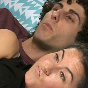 These Exes Cuddled Again For The First Time In Years… The Result Was Totally Cringeworthy