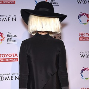 Sia Just Posted A Naked Photo On Twitter And Instagram To Shut Down Internet Trolls