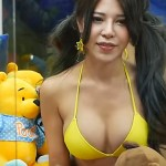 OMG! This Taiwanese Game Centre Placed Bikini Girls Inside Claw Machines To Celebrate Its Launch