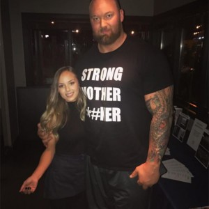 "Photos Of The Mountain From ""Game Of Thrones"" And His Much Smaller Girlfriend Is Taking The Internet By Storm!"