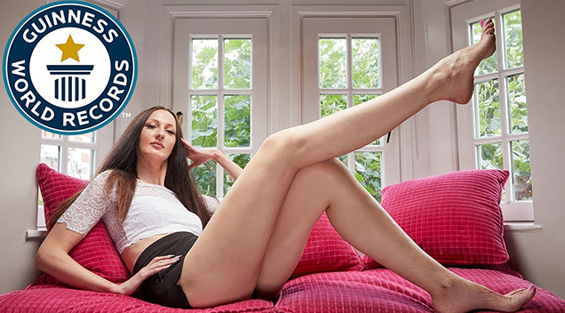 Woman-With-Longest-Legs-In-The-World-Russian-Model-Ekaterina Lisa pook