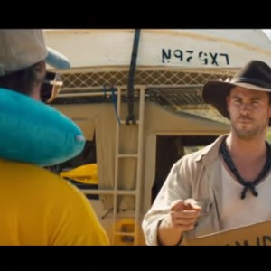 """Chris Hemsworth Is In The New """"Crocodile Dundee"""" Movie (Yes, You Read Right)"""