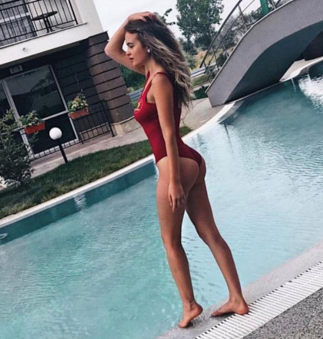 Christina S12