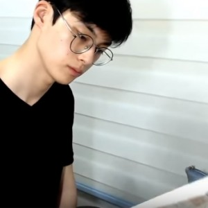 This Korean Man Gained 332,000 YouTube Subscribers Just By Filming Himself Studying For Hours
