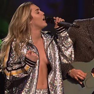 Miley Cyrus Just Went Topless On SNL And She's Taking The Internet By Storm