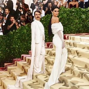 This Man Keeps Photoshopping Himself Into Kendall Jenner's Photos And The Result Is EPIC