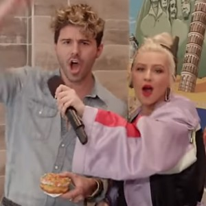 Christina Aguilera Just Pranked Unsuspecting Customers At A Donut Shop. Moments Later… OMG