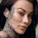This Woman Approached People With And Without Her Tattoos… The Reactions Are Very Different