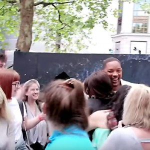 Watch Will Smith Surprise Aladdin Fans In A Giant Lamp
