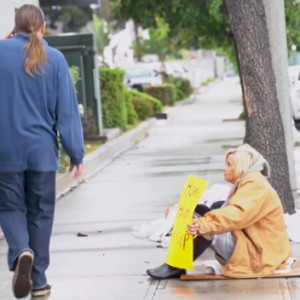 These People Pretended To Be Homeless… And Their Loved Ones Didn't Recognize Them
