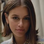 Let's Take A Sneak Peek Inside Top Model Kaia Gerber's Bag