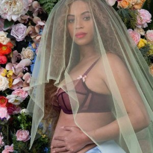 Beyoncé Just Announced That She's Pregnant With Twins… OMG
