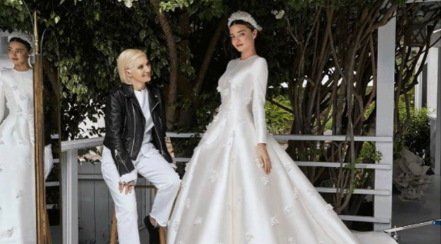 Miranda Kerr Finally Revealed Her Dior Wedding Dress And It S Sizzling Hot