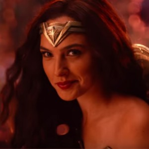 "The Final ""Justice League"" Trailer Has Just Dropped And Wonder Woman's Killer Smile Takes Centre Stage"