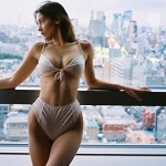 Supermodel Bella Hadid Just Stripped Down In Tokyo, And She Looks Absolutely Gorgeous